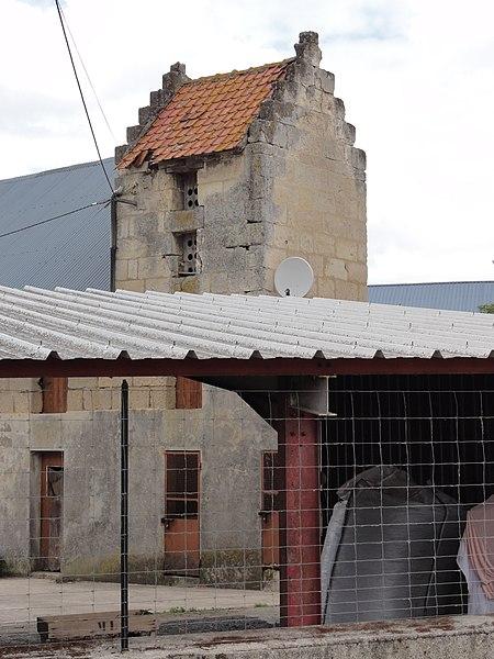Bourguignon-sous-Coucy (Aisne) tour-pigeonnier