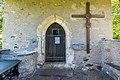 Brückl Johannserberg Filialkirche Sankt Lorenzen Vorhalle Portal und Kruzifix 26052017 8651.jpg