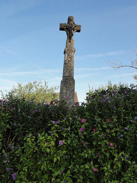 Brillon-en-Barrois (Meuse) croix de chemin