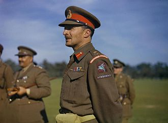 Frederick Browning - Image: Browning observes paratroop training at Netheravon