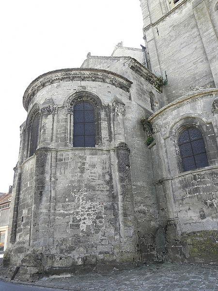Abside de l'église Notre-dame de Bruyères-et-Montbérault (02).