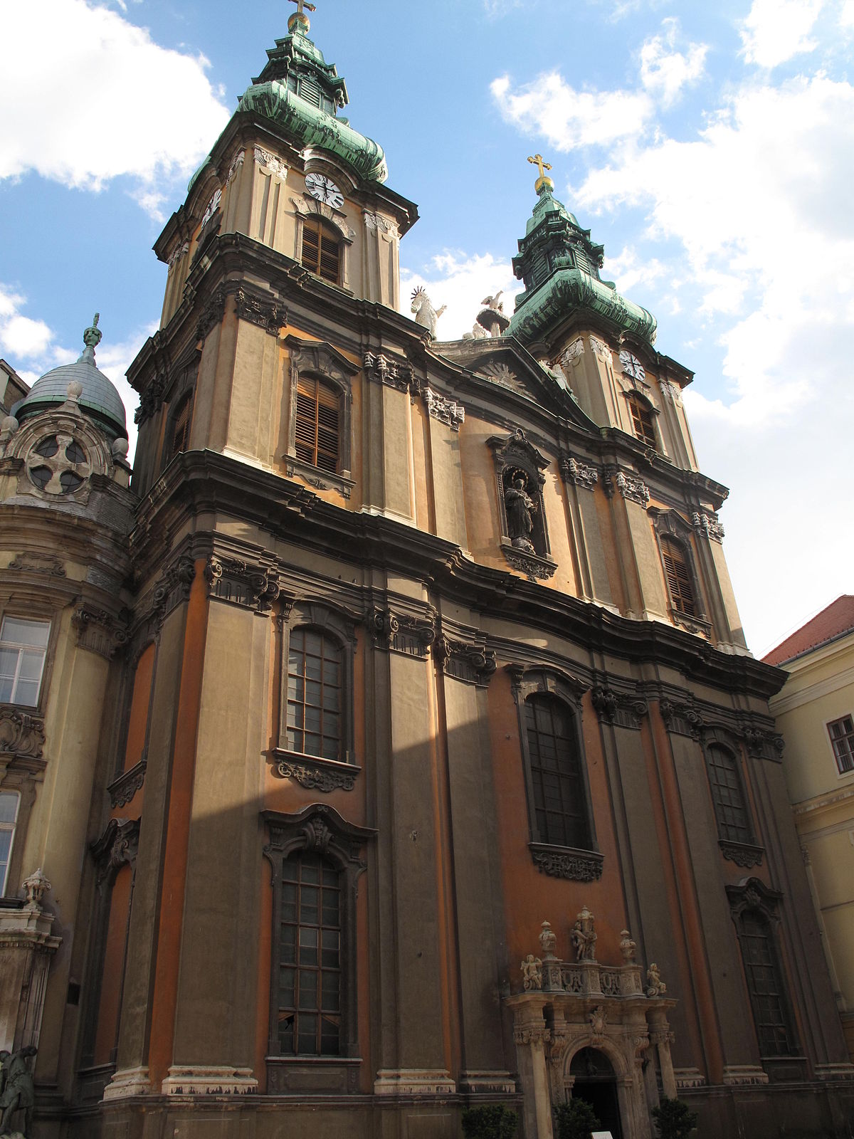 Kisboldogasszony Templom Budapest V Kerulet Wikipedia