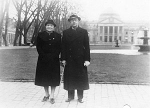 Margarete Himmler - Margarete with her husband in front of the Kurhaus, Wiesbaden in November/December 1936