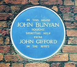 Photo of John Bunyan blue plaque
