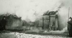 Epidemiology of plague - Houses being burned in China in the 1890s during the bubonic plague pandemic