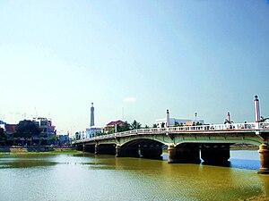 Long Xuyên - Image: Cầu Hoàng Diệu