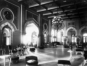 Maimun Palace - Image: COLLECTIE TROPENMUSEUM Zaal in het Istana Maimun het paleis van de Sultan van Deli T Mnr 60038070