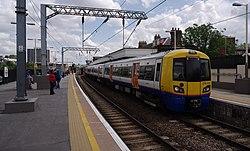 Camden Road railway station MMB 10 378230.jpg