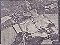 Camp des Garrigues. Fontfroide 1983 . Ancien mas et tracé D127 ..jpg