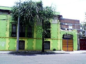 Colonia Santa María la Ribera - An old house recently painted. Santa María la Ribera, Mexico.