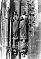 Cathédrale Notre-Dame - Portail sud de la façade ouest. Statues de l'ébrasement droit - Vierges sages - Strasbourg - Médiathèque de l'architecture et du patrimoine - APMH00007655.jpg