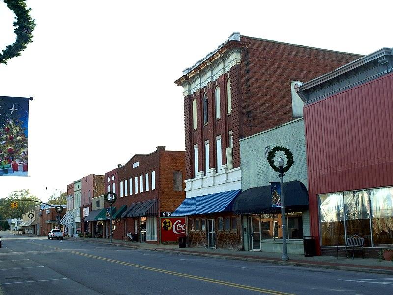 Center Avenue, Piedmont, Alabama Nov 2017.jpg