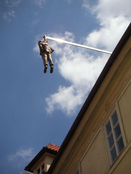 450px-Cern%C3%BD_hanging_statue.JPG