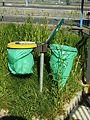 Charleville-Mézières-FR-08-poubelles sur le parking de la gare-04.jpg