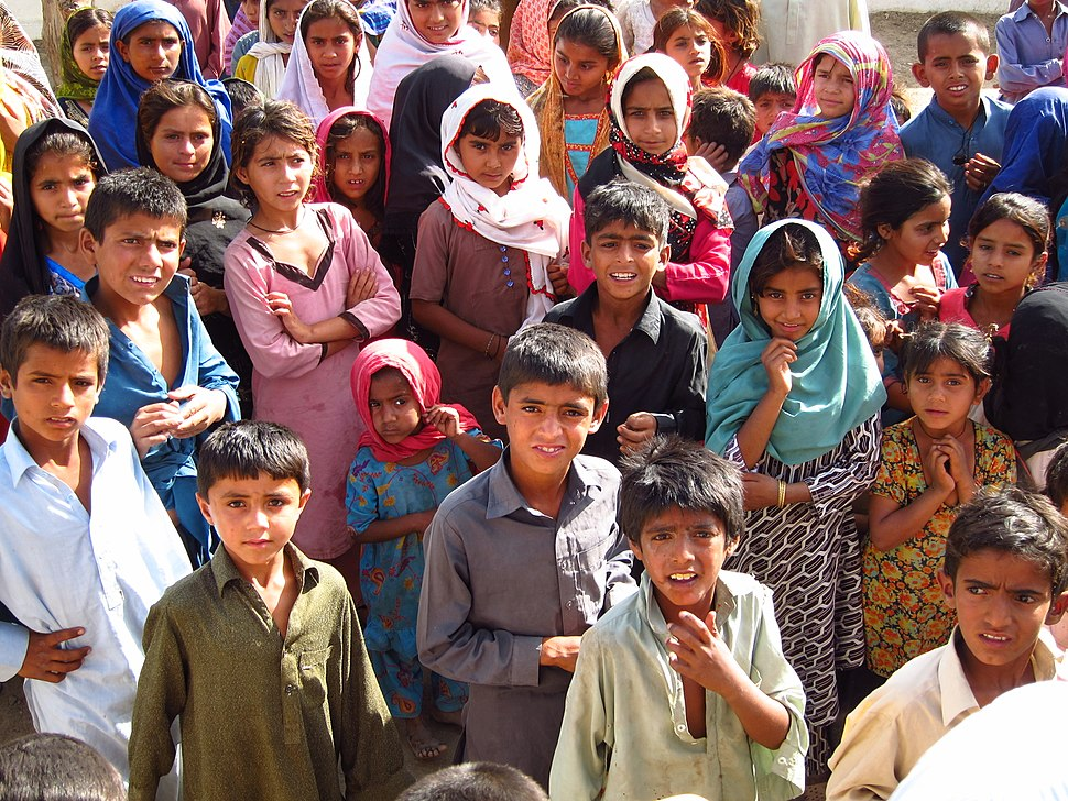 Children in a village, Sindh, Pakistan, April 2012 (8405077775)