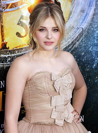 Chloë Grace Moretz - Moretz at the Hugo premiere in New York in November 2011