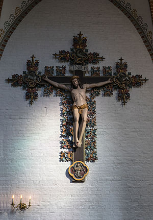 Saint Hans Church - Large Gothic crucifix in the church