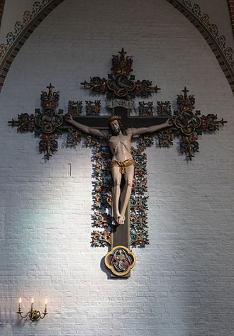 Saint Hans Church - Large Gothic crucifix in the church