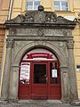 Chrudim, Khomovský dům, portál.JPG