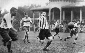 "La Plata derby - The ""Clásico Platense"" in 1931, year when football became professional in Argentina."