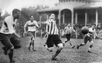 """La Plata derby - The """"Clásico Platense"""" in 1931, year when football became professional in Argentina."""