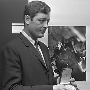 Co Rentmeester - Rentmeester in front of his picture, that became World Press Photo of the Year 1967