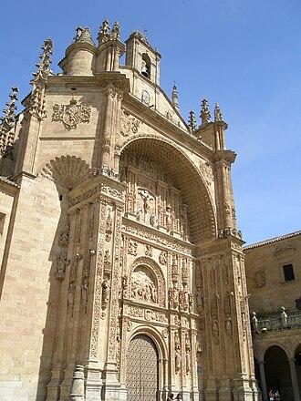Convento de San Esteban, Salamanca -  Reredos-like facade of the monastery church