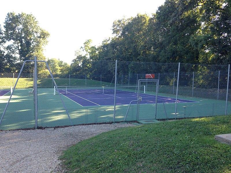 Court de tennis de St Cyr s/ Menthon