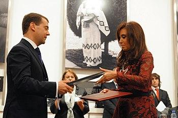 Cristina Fern%C3%A1ndez de Kirchner and Dmitry Medvedev - Casa Rosada 2010