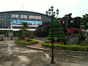 Da Nang Train Stn Front.JPG