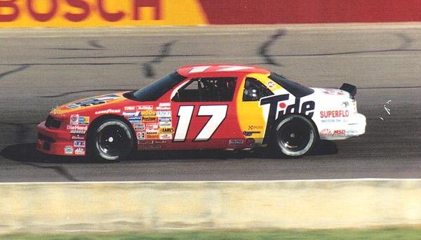 Darrell Waltrip's No. 17 Tide Chevrolet in 1989 DarrellWaltrip17car1989.jpg