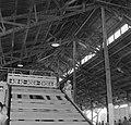 De koningin bezoekt de Bruynzeelfabriek in Beekhuizen, Bestanddeelnr 252-4568.jpg