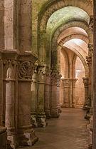 Deambulatory north Saint-Eutropius romanesque Basilica Saintes Charente-Maritime.jpg
