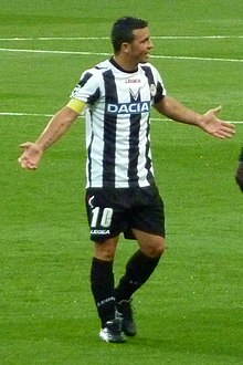 Antonio Di Natale, trascinatore dell'Udinese tra il 2004 e il 2016, è il detentore dei record di presenze e reti con i friulani, sia in Serie A sia in assoluto.
