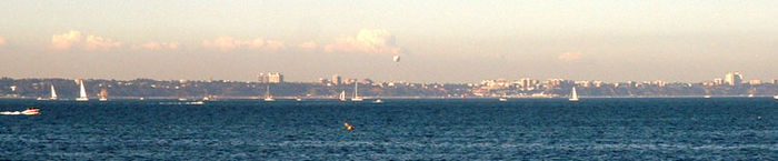 Dorset bournemouth from studland 02.jpg
