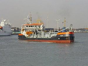 Dredge ship Hein 2012-04-17 (1).jpg
