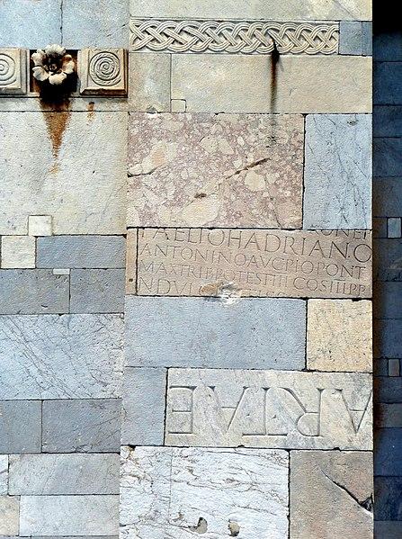 Fichier:Duomo di Pisa, detail 1.JPG