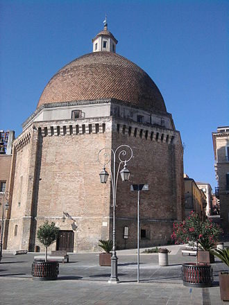 Giulianova - The renaissance dome of Giulianova.
