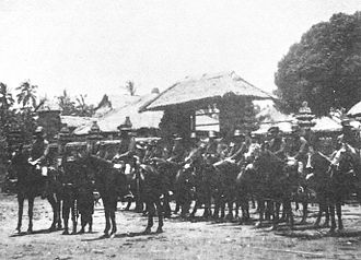 Tabanan Regency - Dutch cavalry in front of the Royal Palace at Tabanan during the Dutch intervention in Bali (1906).