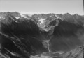 ETH-BIB-Blick nach Süden über Val Bregaglia zur Bondascagruppe-LBS H1-018020.tif