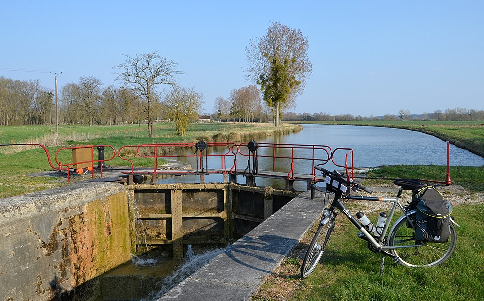 Lock on the canal of Burgundy near Percey  , Bourgogne, France