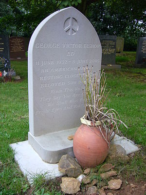 Ed Bishop - Bishop's grave in St Lawrence churchyard, Napton, Warwickshire