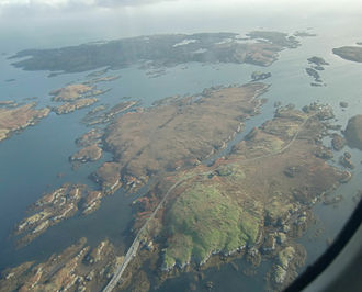 Grimsay (South East Benbecula) - Eilean na Cille, Triallabreac and Wiay east of Grimsay from the air, with Peter's Port at right