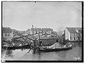 Ekskavator nr. 1 før forlengelsen, og pram, Skudenes, Stavangers amt - fo30141511250012.jpg