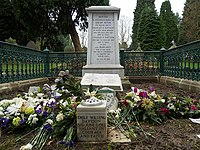 Emily Wilding Davison's family Grave (2365188202).jpg