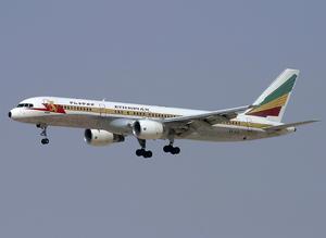 Ethiopian Airlines Boeing 757-200 ET-AJX DXB 2004-4-26.png