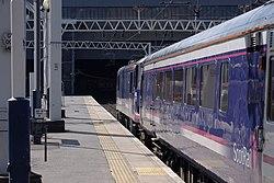 Euston station MMB 99 90019.jpg