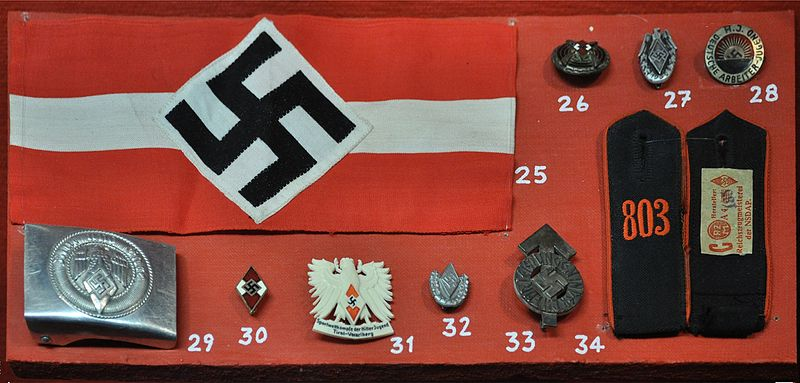 Nazi political and civil badges and insignia, Fort Lewis Military Museum, Fort Lewis, Washington, USA. Image: wikimedia.org/CC-BY-SA-3.0 / Joe Mabel