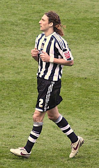 Fabricio Coloccini - Coloccini playing for Newcastle United in a 2–2 draw with Ipswich Town, 2010