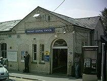 Finchley Central Stn main entrance.JPG